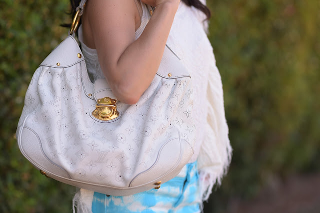 Luis Vuitton Medium White Mahina Hobo with perforated eyelet design and gold hardware Car Mar Tie Dye Blue Denim Shorts Free People Cream Fringe Tunic Luis Vuitton Medium White Mahina Hobo with perforated eyelet design and gold hardware