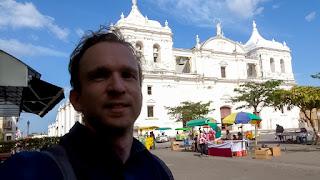 Sven at Real e Insigne Basílica de la Asunción de la Bienaventurada Virgen María
