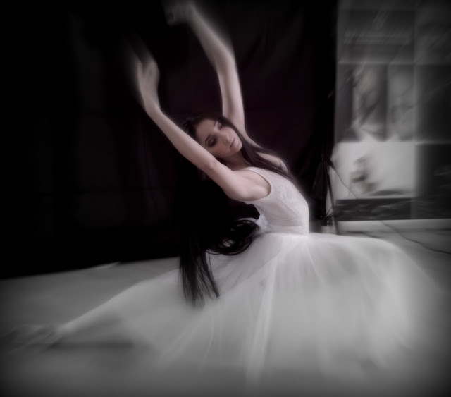 betty manousos beautiful ballerina photo