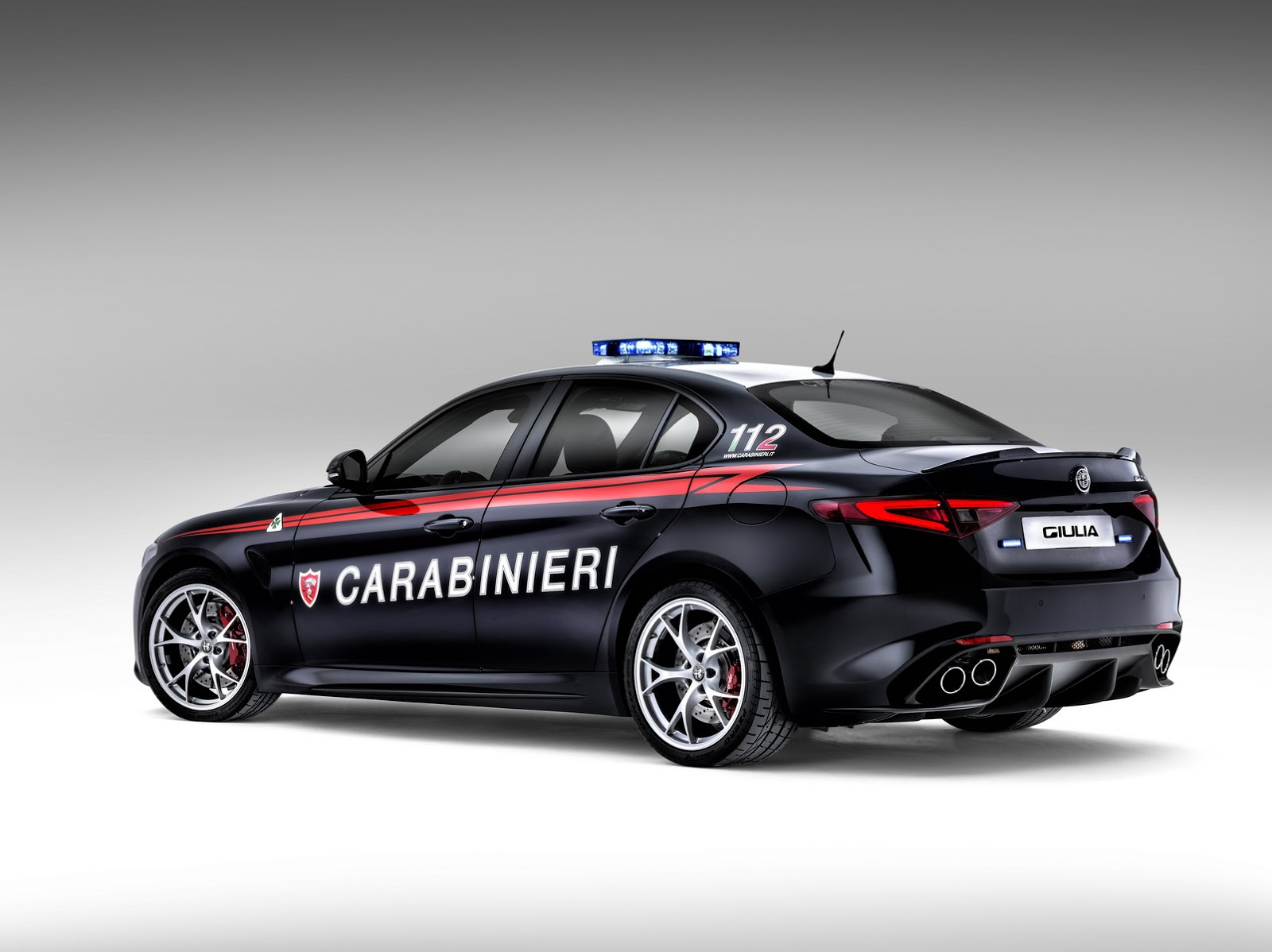 new alfa romeo guilia qv joins italian carabinieri w video. Black Bedroom Furniture Sets. Home Design Ideas
