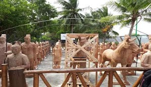 Tak Perlu Ke Tiongkok, Pasukan Patung Terakota Ada di Pantai Tongaci - Bangka