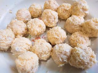 Куриные шарики с сыром и чесноком