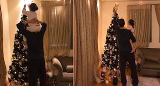 Ο Αντώνης Σρόιτερ στολίζει το Χριστουγεννιάτικο δέντρο με τις 2 κoρες του