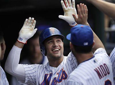 Los Mets se mantienen en la carrera de comodines