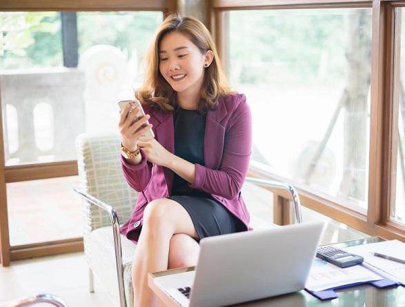 Die Suche nach einem Partner mithilfe der Dienste einer Online-Dating-Agentur ist nicht so kompliziert, wie manche vielleicht denken. Es gibt viele Frauen, die diese Partnervermittlungen besuchen und sich dafür interessieren, welche Arten von Männern in ihren Katalogen und Verzeichnissen aufgeführt sind.    Die Frauen, die die Seite einer Online-Dating-Agentur besuchen, suchen immer nach einer ernsthaften, langfristigen Beziehung und irgendwann nach einer Ehe und einer Familie. Solche Frauen suchen wirklich nach der richtigen Person, mit der sie den Rest ihres Lebens verbringen können. Wenn sie eine Seite einer Partnervermittlung besuchen und ein Profil registrieren, ist dies ein gut geplanter Schritt und nicht etwas, das sie impulsiv tun. Es zeigt auch, dass diese Frauen stark sind und ihr eigenes Leben kontrollieren.