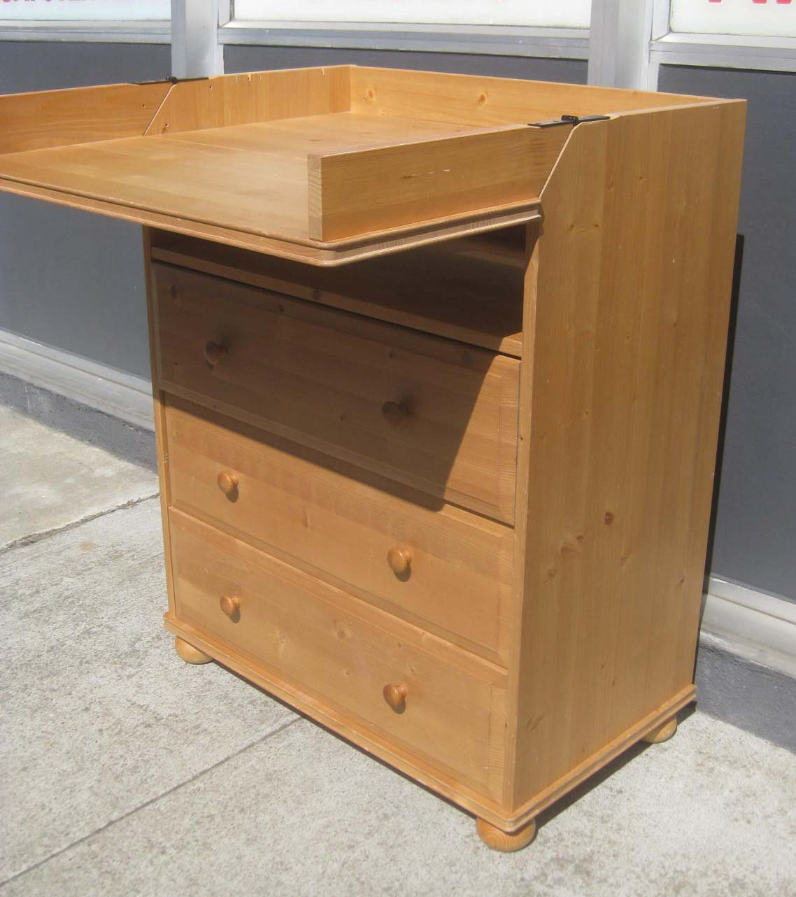 UHURU FURNITURE  COLLECTIBLES SOLD  Dresser  Baby Changing Table  50
