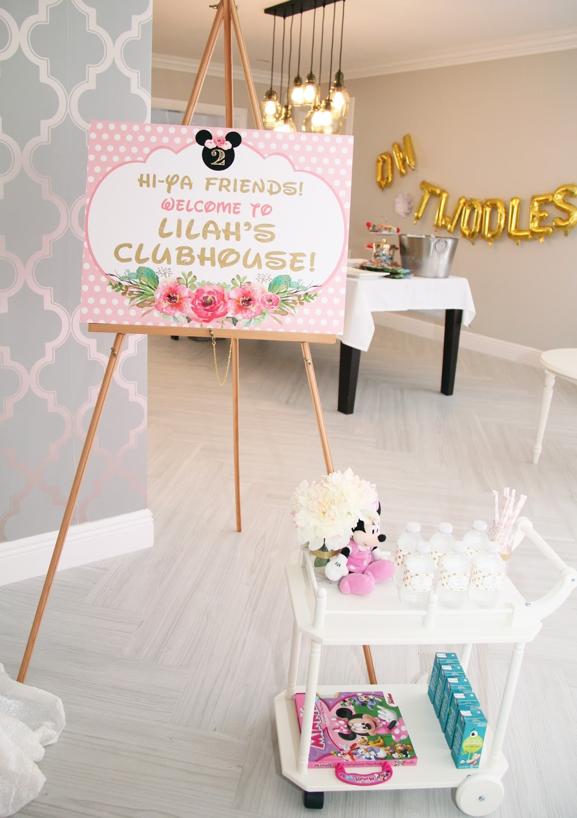 Floral Minnie Mouse Birthday Party Celebration Stylist