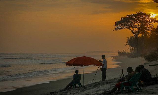 sunrise di pantai mandiri krui lampung