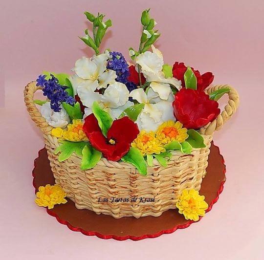 http://cakesdecor.com/cakes/82200