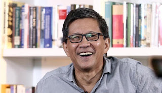 Rocky Gerung: Bayangkan jika HRS Turun di Bandara, Dijemput oleh Gatot dan Anies Baswedan