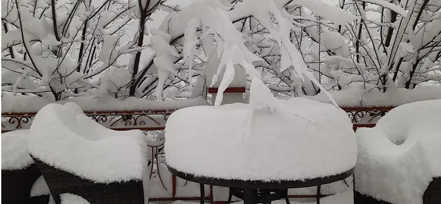 Table covered with snow in sikkim