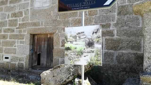 Placa indicativa Zona Balnear de Sequeirós Chamoim