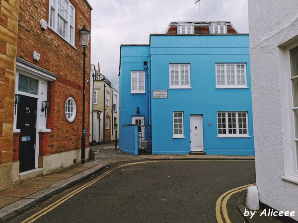 Chelsea-colorful-houses-London