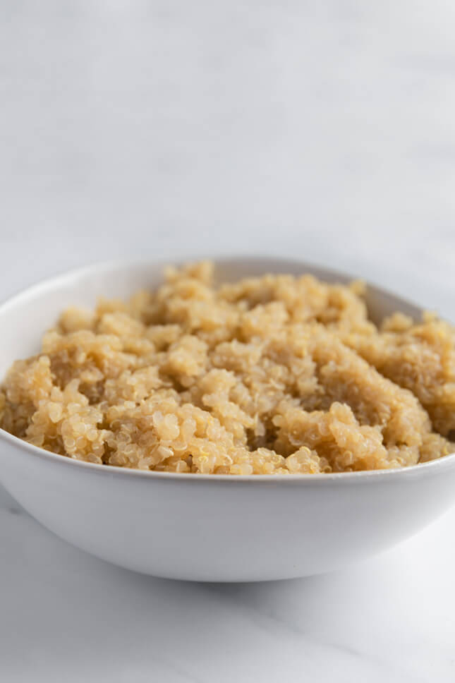 Photo of a bowl of cooked quinoa