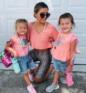 Mikes Girlfriend And Daughters