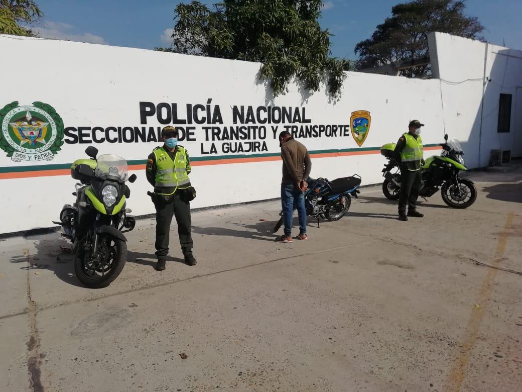https://www.notasrosas.com/Seccional de Tránsito y Transporte reporta cinco capturas en La Guajira