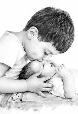 صور أطفال صغار حديثي الولادة