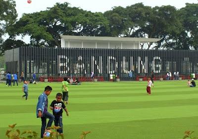 Kota Bandung, Sebuah Kenangan Selepas SMU