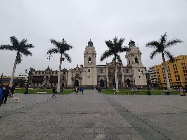 Catedral de Lima, na Plaza de Armas, a praça principal da cidade - Peru - Dicas, o que fazer