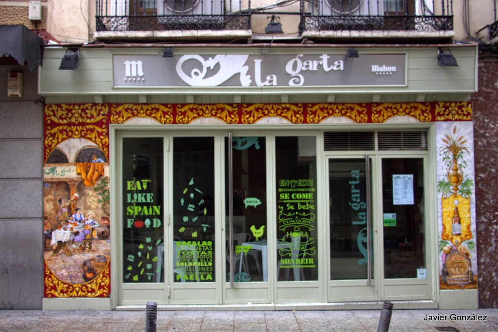 Azulejos. Calle de la Cruz. Madrid