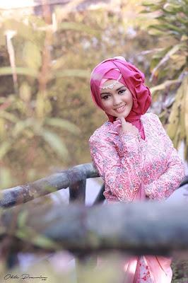 Model Hijab dan Busana Wisuda yang Syar'i