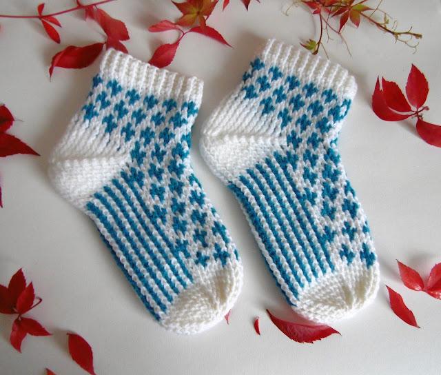 #handmade #crochet #socks #slippers #homewear #blue #white #heegeldatud #sokid #sussid #sinine #valge
