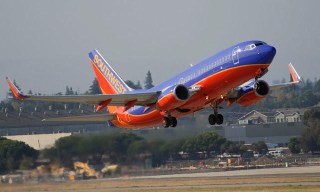 لماذا لا توفر شركات الطيران مظلات للقفز للركاب