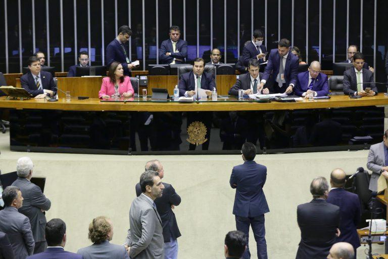 Câmara dos Deputados aprova projeto que libera recursos para combate ao coronavírus