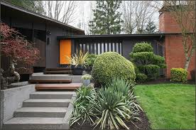The Front Door Is Actually Up A Full Flight Of Steps From Entrance Level House There S Deck Curly Painted Same Color As