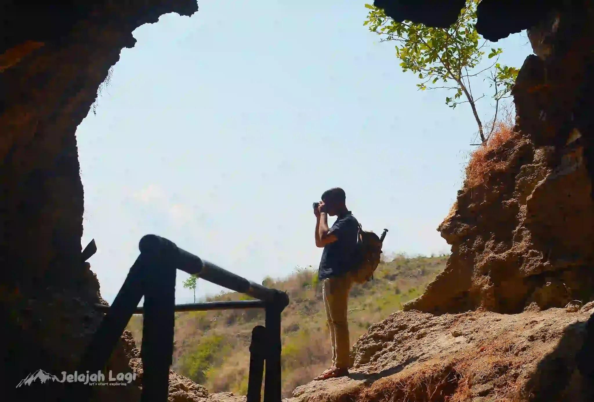 Pintu Goa Lawa Songgom Brebes - Foto Jelajah Lagi by JL Jaenal Jalalludin