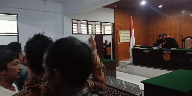 Sah! Gugatan Kalem Bau Tidak Dapat Diterima oleh Hakim