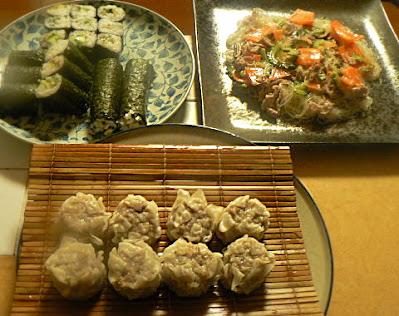 夕食の献立 さっぱり系巻物三本 豚バラとゴーヤの春雨炒め 肉シューマイ