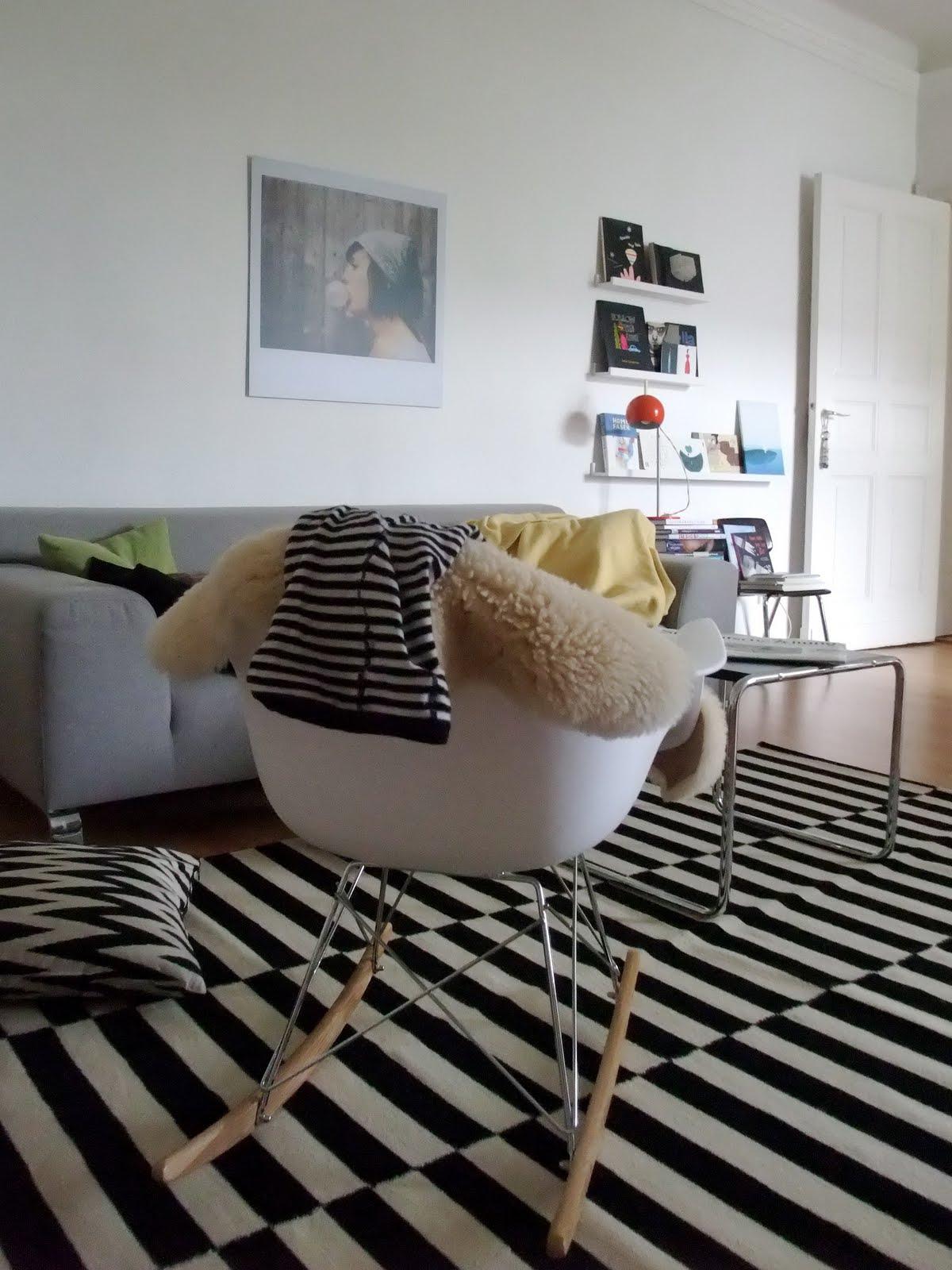 alles neu macht der april m i ma. Black Bedroom Furniture Sets. Home Design Ideas