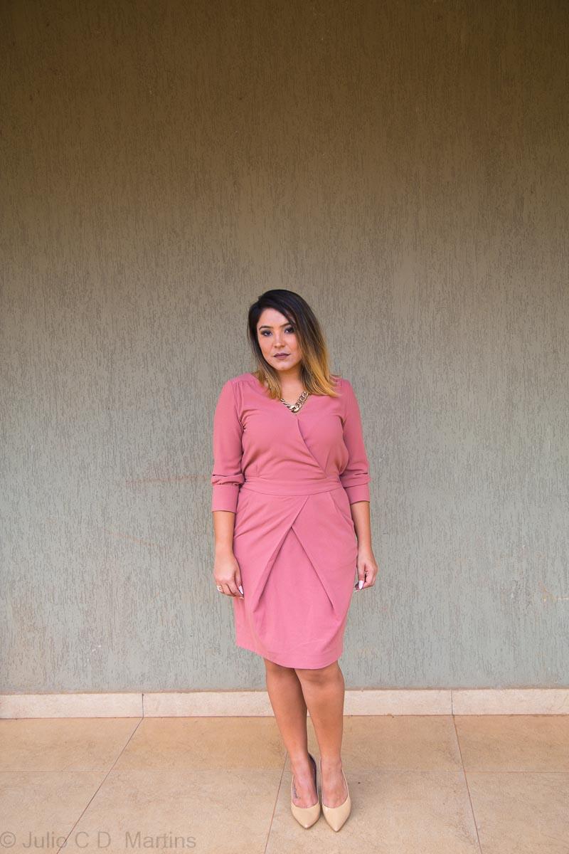 Look do dia: vestido rosê de alfaiataria e notas sobre julgamentos