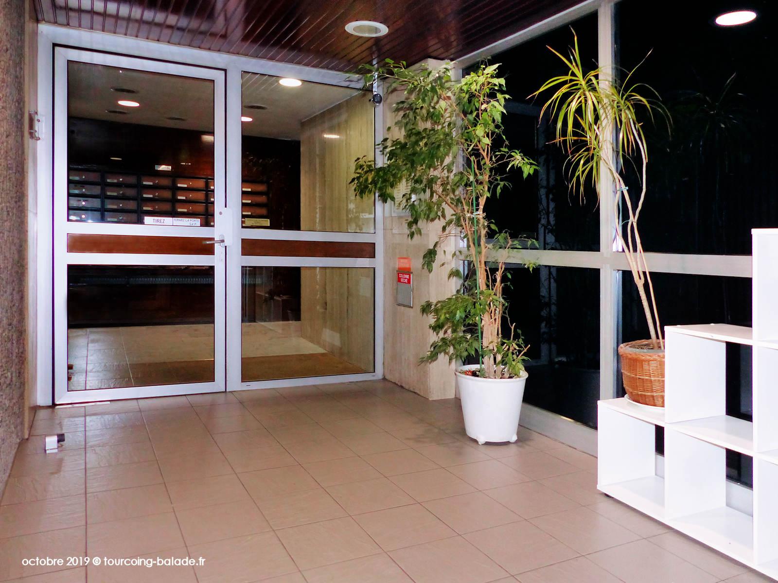Hall d'entrée de la Résidence Bailly, Tourcoing 2019