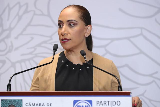 Exige Adriana Dávila investigar distribución de vacunas contra Covid-19 en mal estado