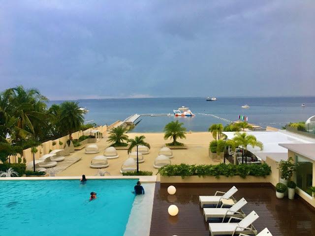 Be Resort Mactan. Beach Resort in Cebu with Inflatables