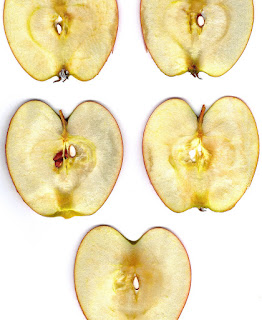 Brown colour formation over sliced apple
