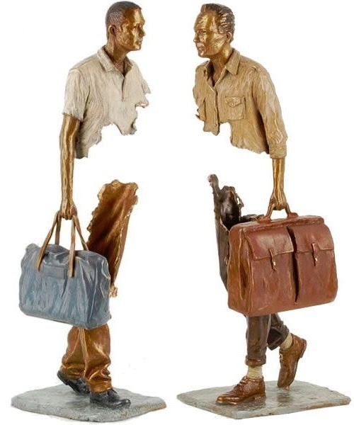 03-French-Artist-Bruno-Catalano-Bronze-Sculptures-Les Voyageurs-The-Travellers-www-designstack-co