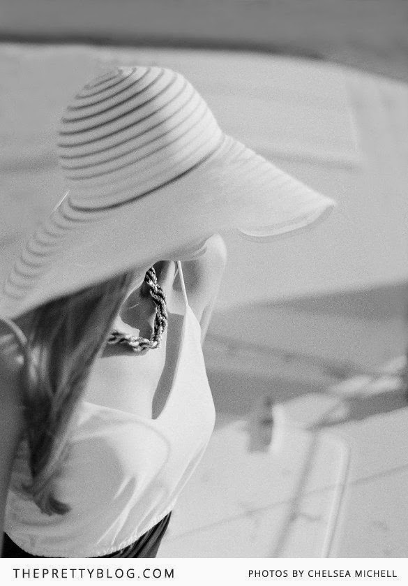 There is some thing so glamorous about a white beach hat it takes me back  to those gorgeous 70 s models with over sized hats and glasses … too pretty 434ae1ccbcb