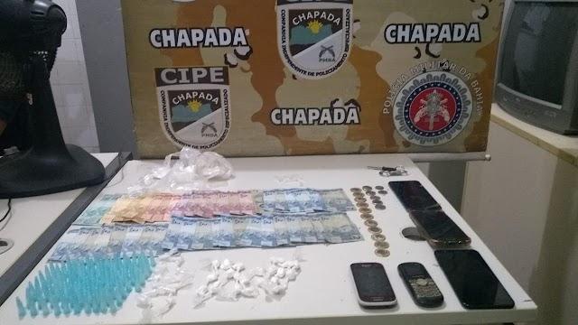 Homens são presos em flagrante com drogas pela Cipe Chapada em Itaetê