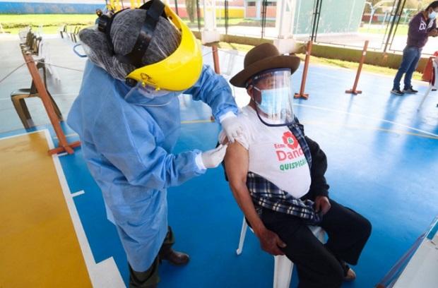 Cusco adelanta vacunación de adultos mayores de 60 años a más en distrito de Machu Picchu