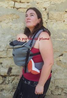 Hoodiecarrier bébé 4 mois Love Radius JPMBB portage #jpmbb préformé portage ventre naissance