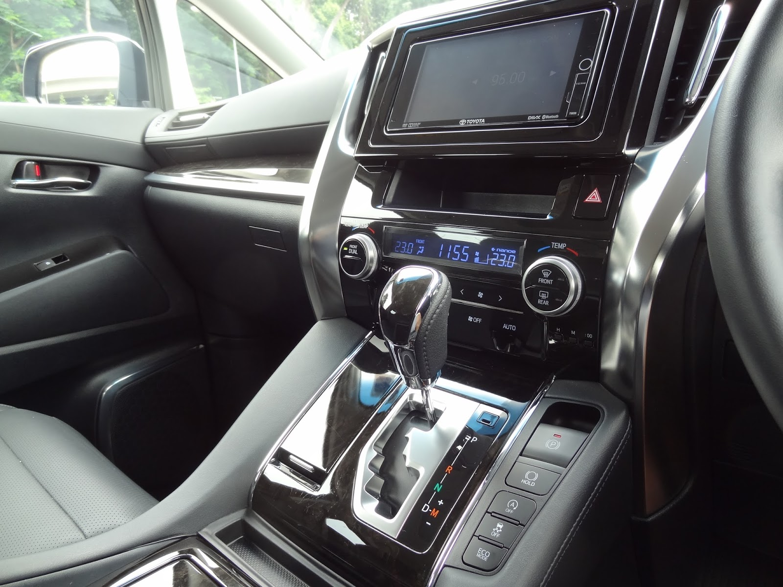 all new vellfire 2015 interior kapasitas oli mesin grand veloz shaun owyeong toyota 2 5 elegance car review