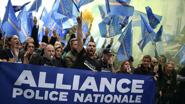 """Policías franceses toman las calles en """"marcha nacional de la ira"""""""