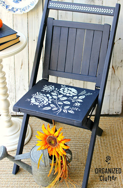 Upcycled Vintage Folding Chair with Dixie Belle IN THE NAVY #dixiebellepaint #inthenavy #artmindsstencil #stencil #floralstencil #vintagechair #foldingchair #upcycle