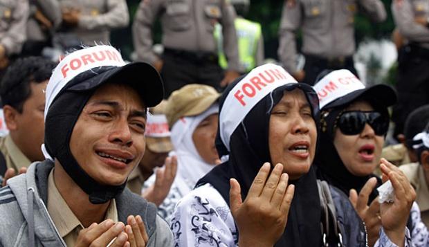 Mohon Maaf!! KPK Tolak Pengangkatan Otomatis dari Honorer, Gimana Nih??