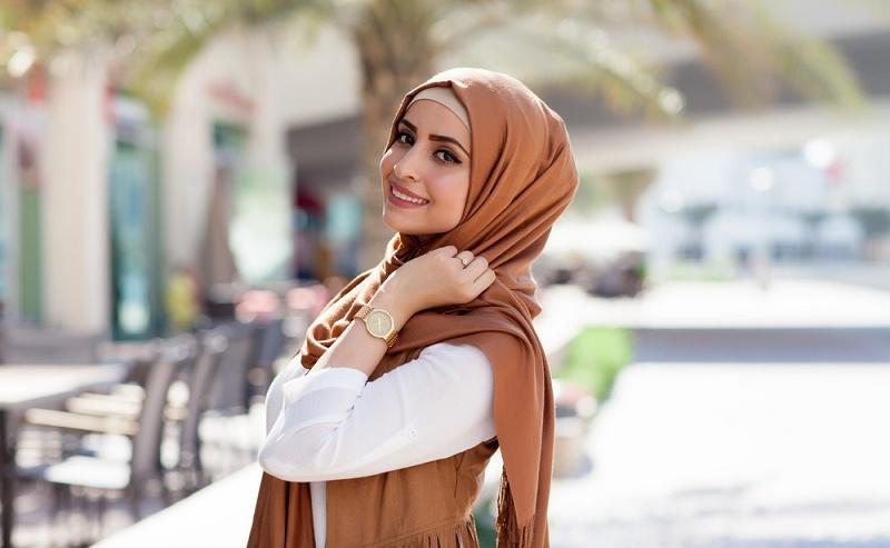 Hijab & Jilbab serta Kerudung Melindungi Perempuan Muslimah