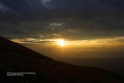 sunrise gunung penanggungan