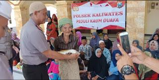 Polsek kaliwates Bhakti Sosial Peduli Kaum Dhuafa RW 07 Lingkungan Mrapa Kelurahan Sempusari